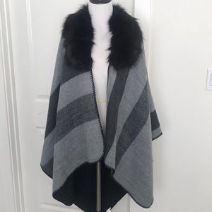 Black & Grey poncho with removable faux fur collar